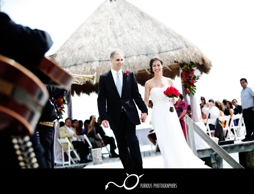 isla mujeres wedding pictures