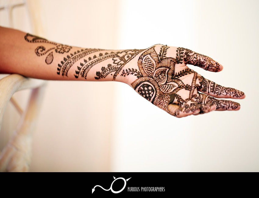 mendhi indian wedding photos