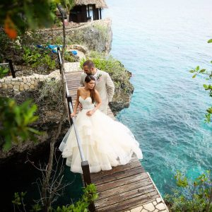 Love in paradise Congrats to your new beginnings! Wedding herehellip